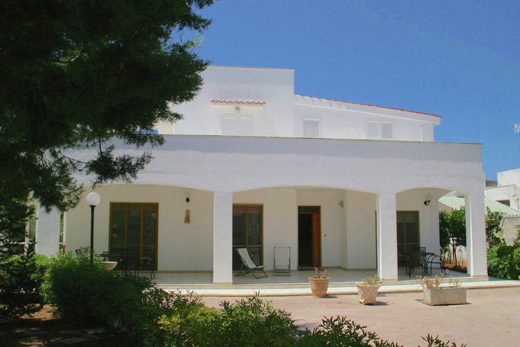 Puglia Villas te huur Typisch mediterrane villa met privétuin