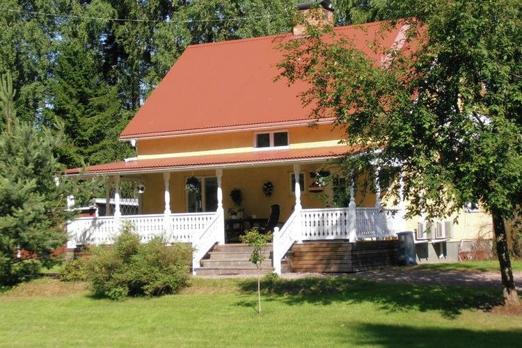 Zweden Vakantiewoningen te huur Prachtige vrijstaande woning midden in de natuur met heerlijke veranda