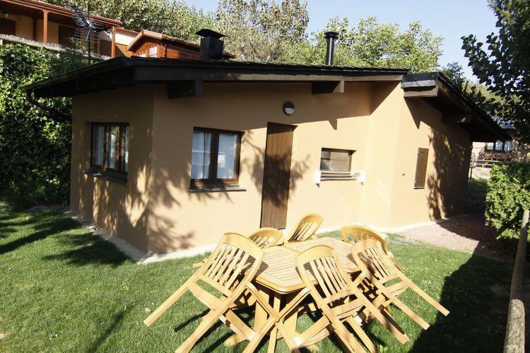 Catalunia Bungalows te huur Vrijstaande bungalow met openhaard op park met faciliteiten zoals een zwembad