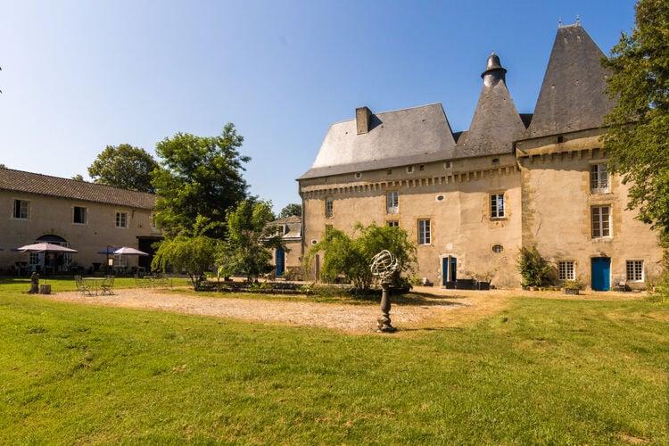 Kasteel Frankrijk, Dordogne, Chalais Kasteel FR-24800-09