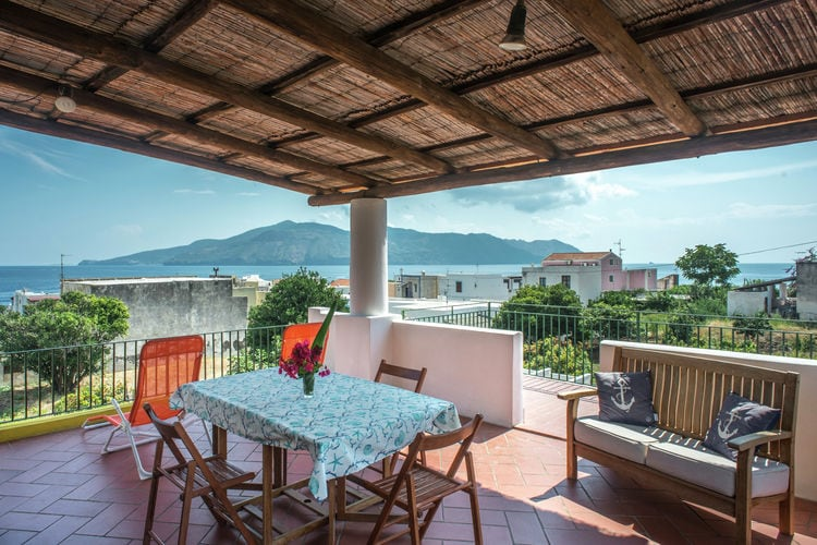 Vakantiehuis  met wifi  Santa Marina Salina  Villa Giulia 1