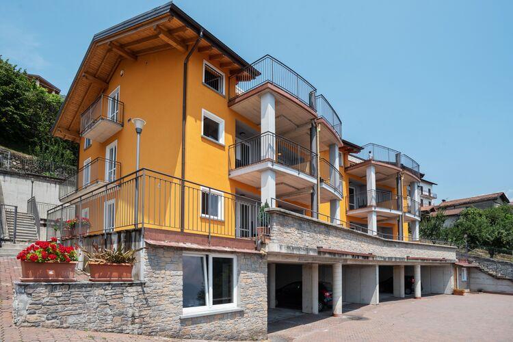 Vakantiehuizen Italie | Italiaanse-Meren | Appartement te huur in Vercana met zwembad  met wifi 6 personen
