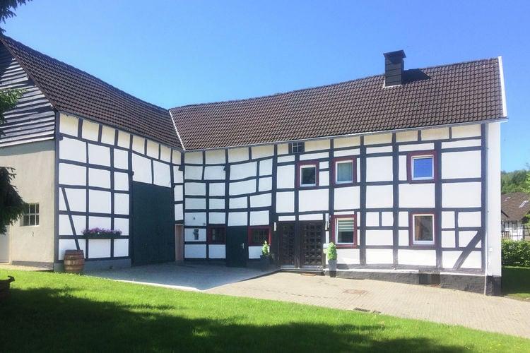 Boerderij huren in Eifel -     voor 5 personen  Deze prachtig monumentale boerderi..