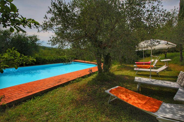 Vakantiehuizen Italie   Toscana   Boerderij te huur in Siena met zwembad  met wifi 4 personen