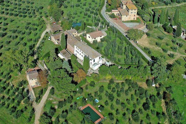 Boerderij huren in Siena - met zwembad  met wifi met zwembad voor 8 personen  De mooie witte villa in Tolfe best..