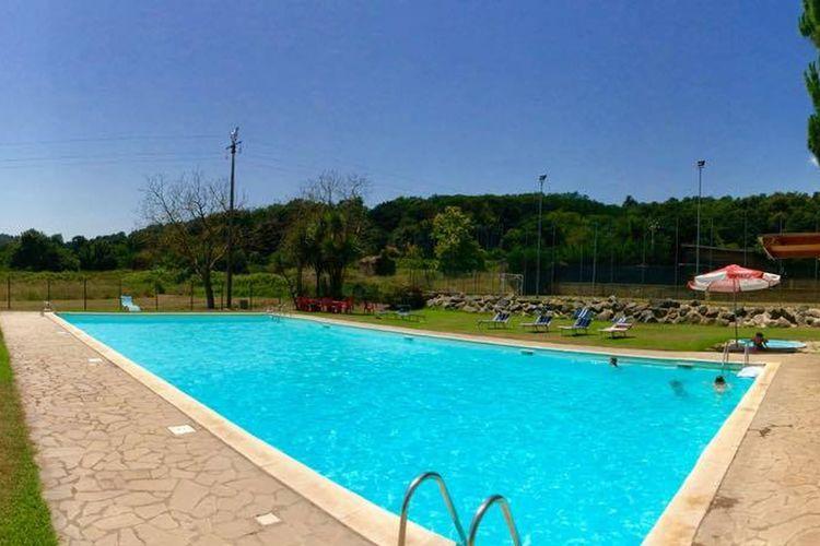 Vakantiehuizen Italie | Lazio | Sta caravan te huur in Bracciano met zwembad  met wifi 5 personen