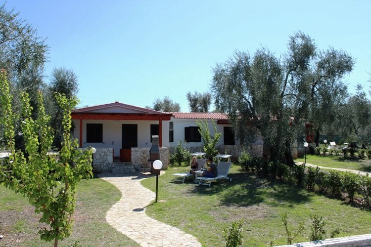 Woning Italie | Puglia | Vakantiehuis te huur in Vieste met zwembad  met wifi 5 personen