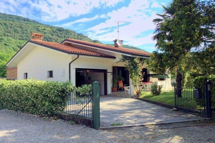 Italie | Veneto | Villa te huur in Travesio   met wifi 6 personen