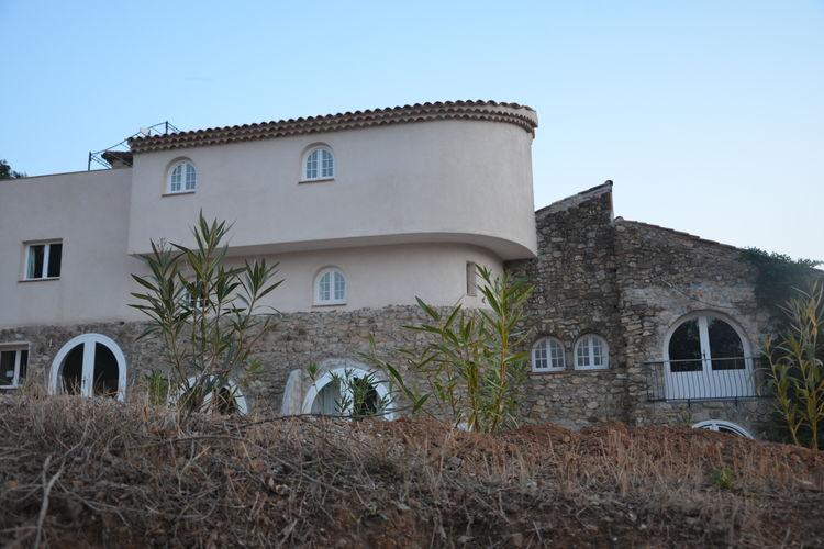 Plan-de-la-Tour Vakantiewoningen te huur Comfortabele appartementen in een natuurstenen Provençaalse residence met zwembad