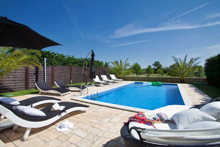 Kroatie | Istrie | Villa te huur in Porec met zwembad  met wifi 8 personen