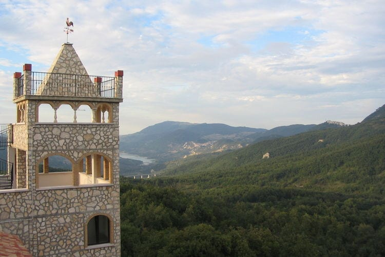 Kasteel Italië, Abruzzo, Rosello Kasteel IT-66040-02