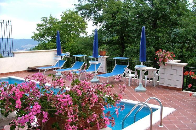 Kasteel Italië, Abruzzo, Rosello Kasteel IT-66040-03