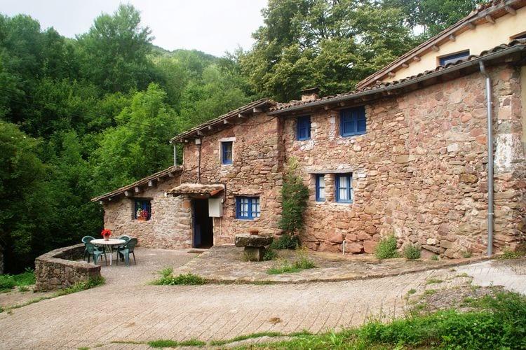 Vakantiehuizen Spanje | Catalunia | Vakantiehuis te huur in Riudaura met zwembad  met wifi 8 personen