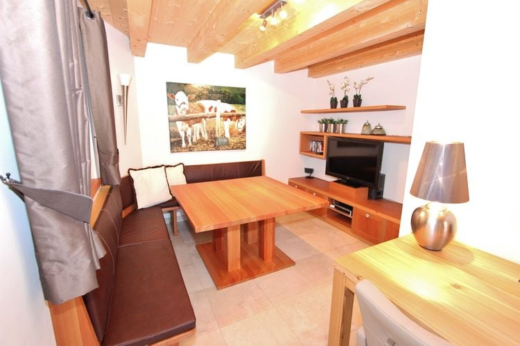 Ref: AT-5721-77 4 Bedrooms Price