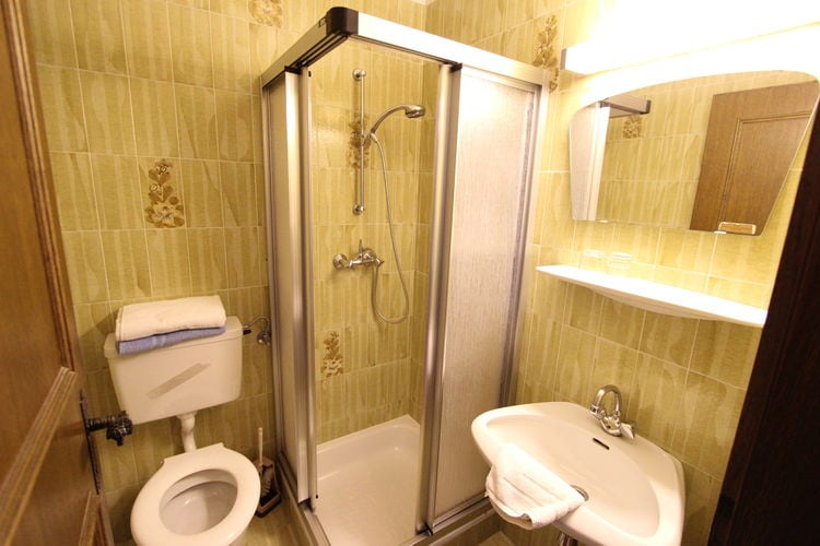 Ref: AT-5731-16 3 Bedrooms Price