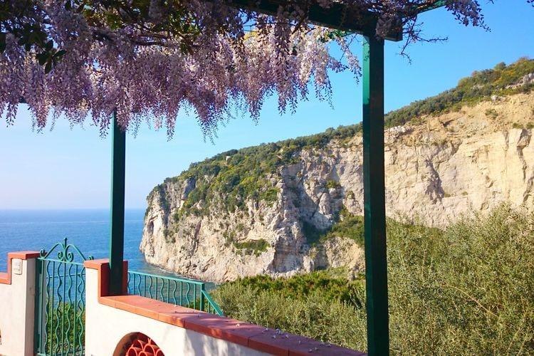 Vakantiehuis  met wifi  Massa Lubrense  Montano