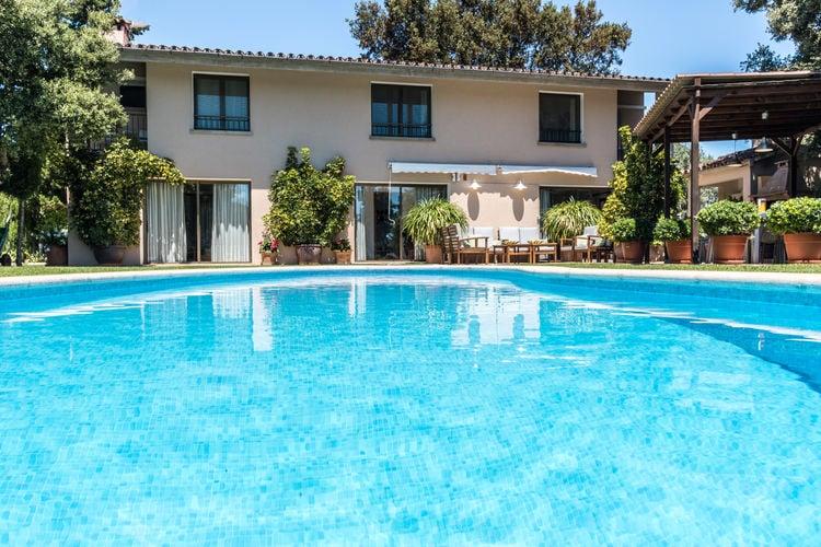 Spanje | Mallorca | Villa te huur in Pollensa met zwembad aan zee met wifi 6 personen