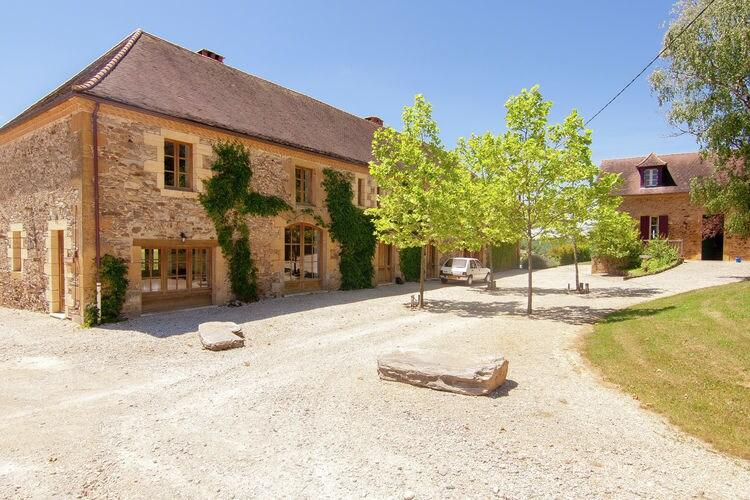 Vakantiehuis met zwembad met wifi  St-Medard-DexcideuilGrange La Guichardie I
