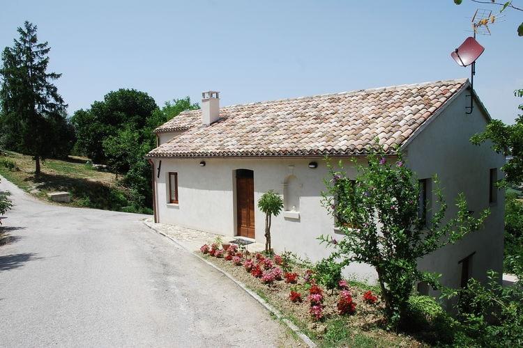 Vakantiehuizen Italie | Marche | Boerderij te huur in Barchi   met wifi 6 personen