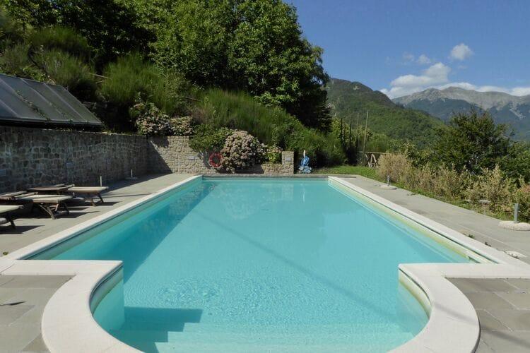 Italie | Toscana | Chalet te huur in Cutigliano met zwembad aan zee met wifi 6 personen