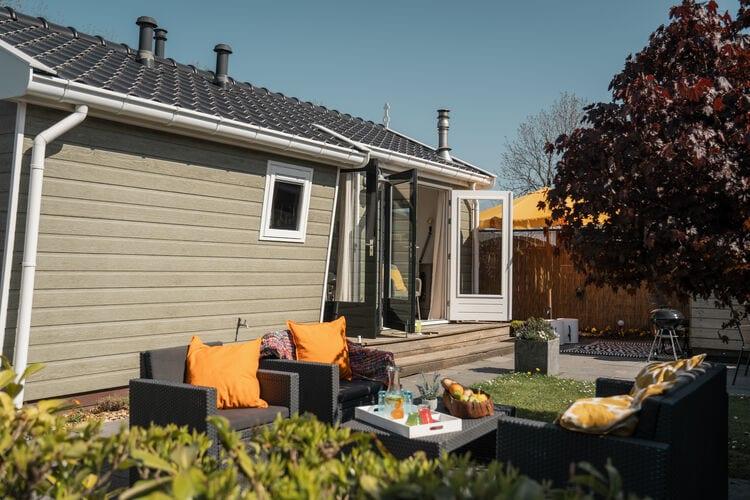 Chalets Nederland | Friesland | Chalet te huur in Tzummarum met zwembad   6 personen