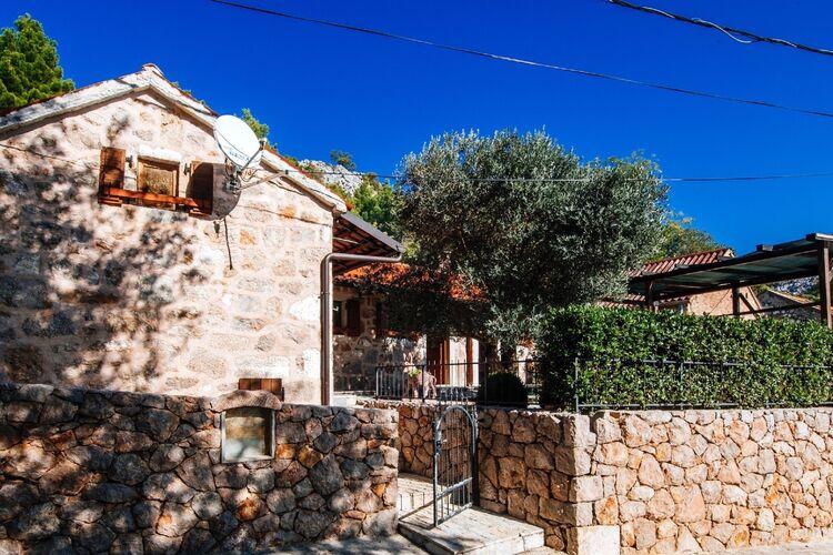 Kroatie | Dalmatie | Villa te huur in Starigrad-Paklenica met zwembad  met wifi 12 personen