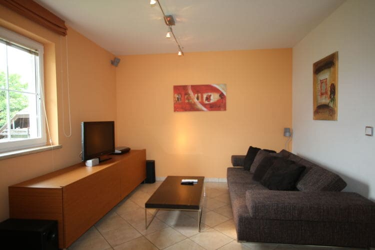 Ref: AT-5581-18 3 Bedrooms Price