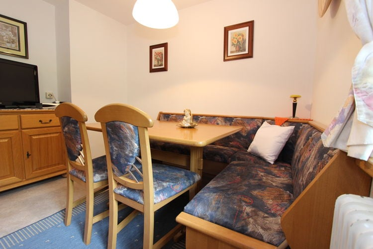 Ref: AT-5752-34 3 Bedrooms Price