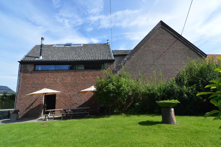 Vakantiewoning  met wifi  Teuven  Ruim huis in een boerderij, gelegen in de landelijke Voerstreek