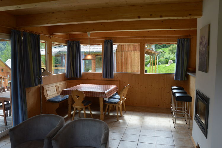 Ref: AT-8862-18 3 Bedrooms Price