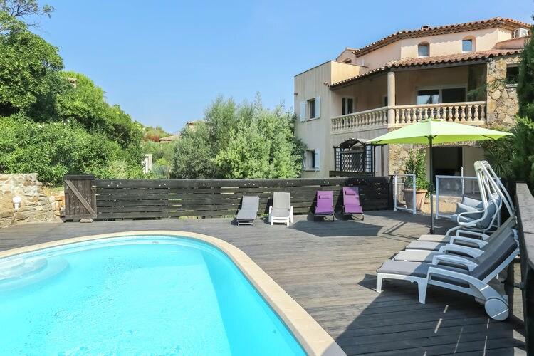 Mediterrane villa met privézwembad en zomerkeuken, op 800m van de stranden
