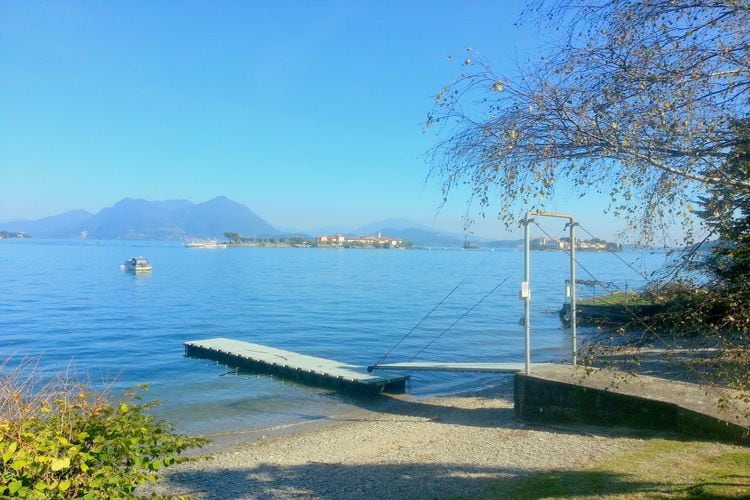 Le Camelie Spiaggia Due  Lakes of Italy Italy