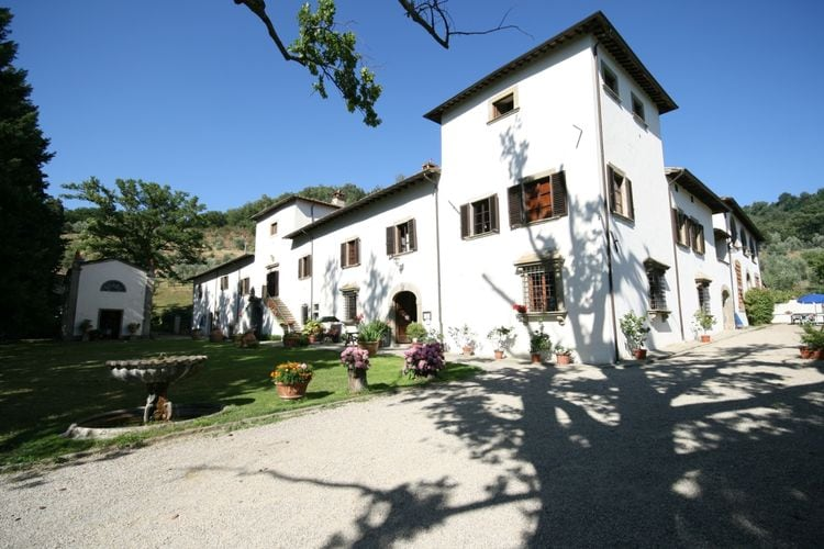 Italie | Toscana | Villa te huur in Pelago met zwembad  met wifi 4 personen