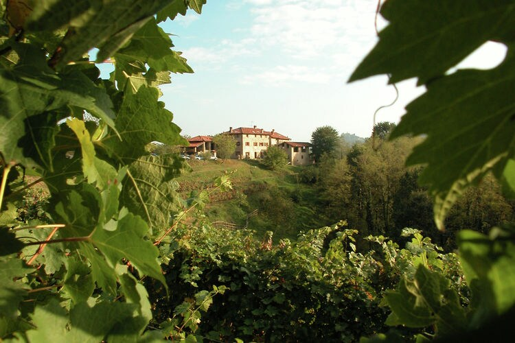 Farmhouse Lakes of Italy