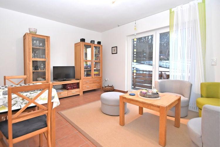 Nieheim Vakantiewoningen te huur Licht appartement met eigen balkon en gebruik van de tuin in het Weserbergland