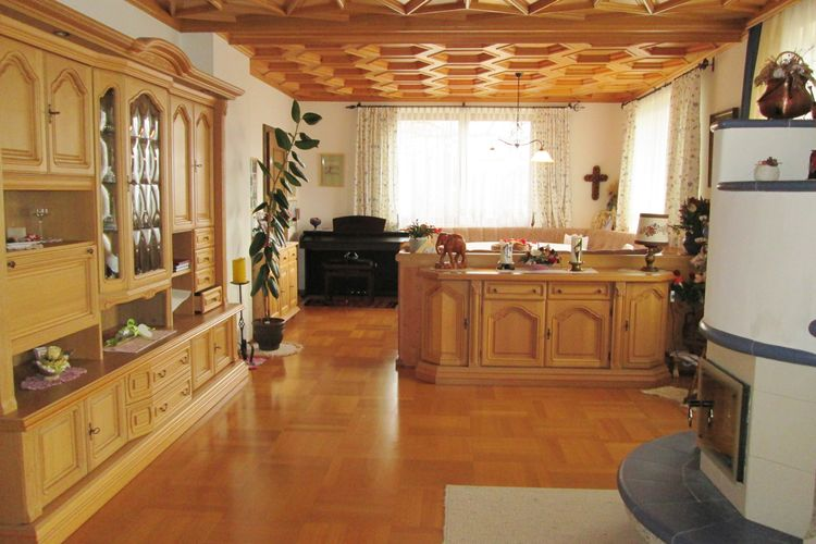 Ref: AT-5721-84 5 Bedrooms Price