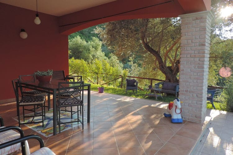 Vakantiehuis met zwembad met wifi  Sessa Cilento  Xenia