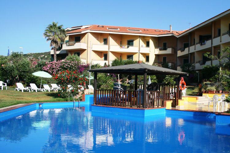 Vakantiewoning met zwembad met wifi  Santa Teresa di Gallura  Comfortabel appartement in Santa Teresa slechts een paar minuten van het strand
