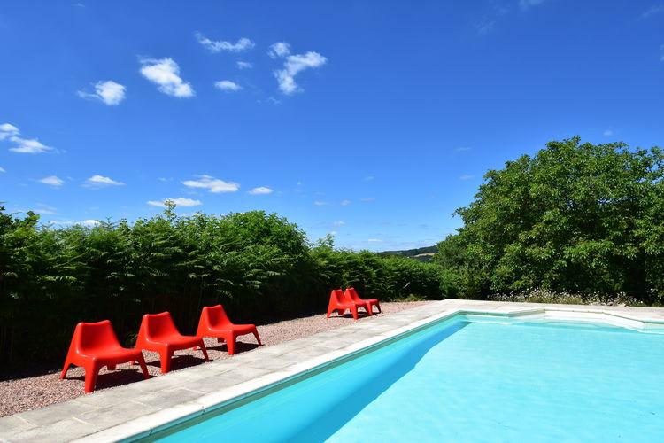 Mooie vrijstaande woning in twee delen met privézwembad en uitzicht op het meer