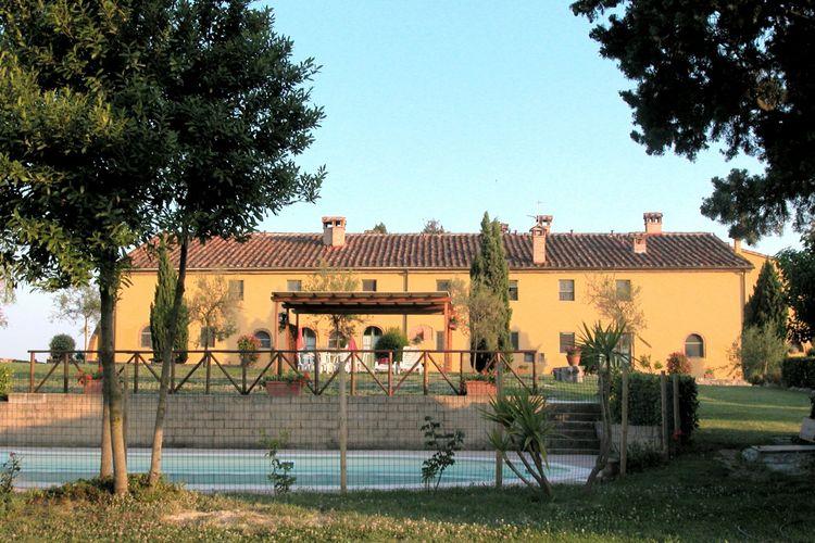 Italie Boerderijen te huur Mooi appartement gelegen op een landgoed met zwembad tussen Pisa en Livorno