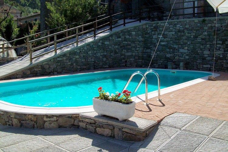 Vakantiehuis met zwembad met wifi  Casola in Lunigiana  Castello di Pratogrande 3