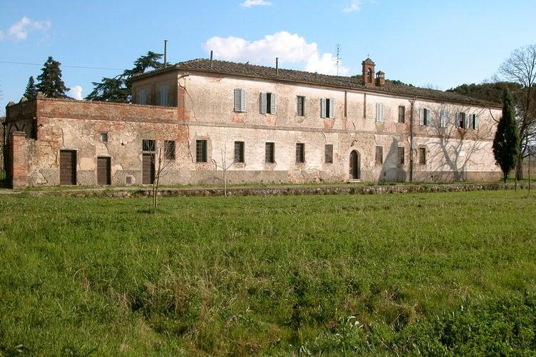 Italie Vakantiewoningen te huur Karakteristieke vakantiewoning uit 1300 op landgoed dichtbij Sinalunga
