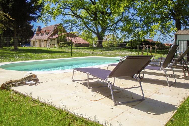 Villa met zwembad met wifi  Magnac-Laval  Gîte de la Fermette