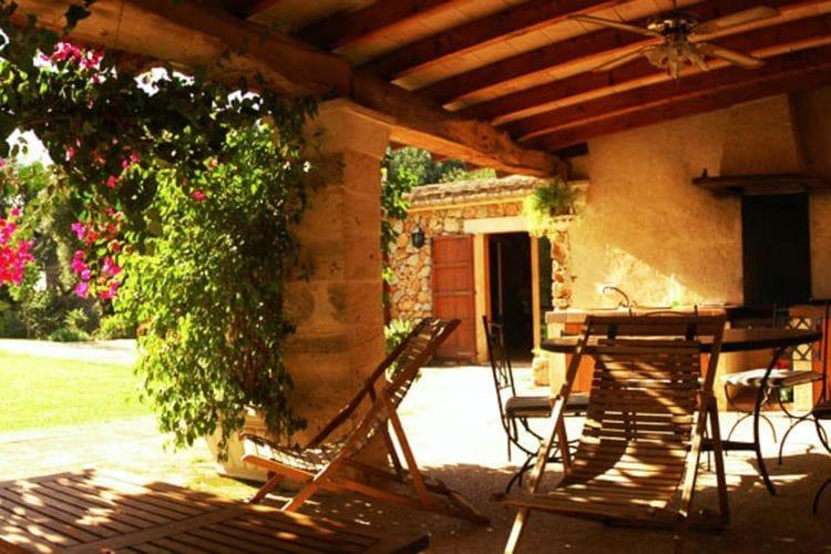 Boerderij huren in  Spanje - met zwembad  met wifi met zwembad voor 6 personen  Deze woning is gelegen in een klei..