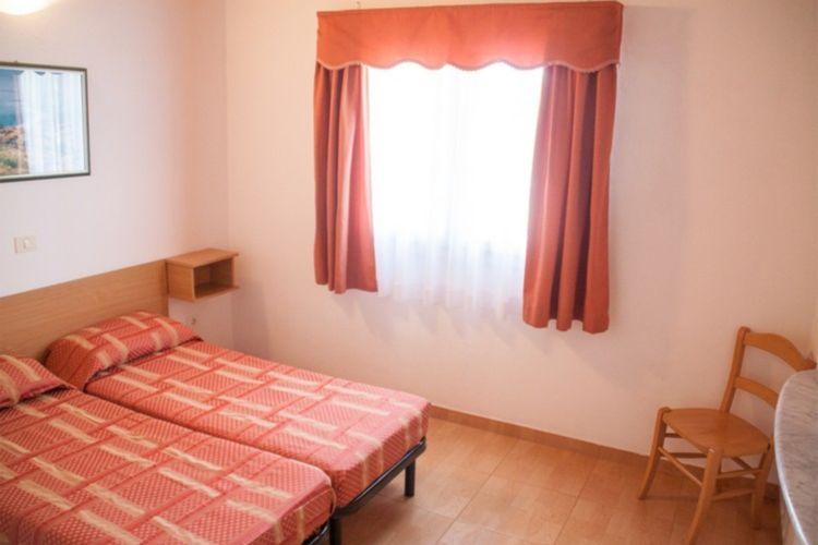 Ref: HR-52212-21 3 Bedrooms Price