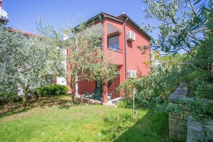 Appartement  met wifi  PoreApartment Complex Kokanovic \/ Apartment Kokanovic II with garden
