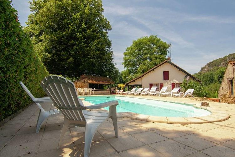 Vakantiehuis met zwembad met wifi  VezacChristian