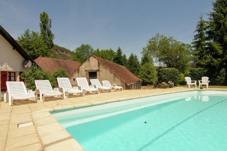 Vakantiehuis met zwembad met wifi  VezacDemie
