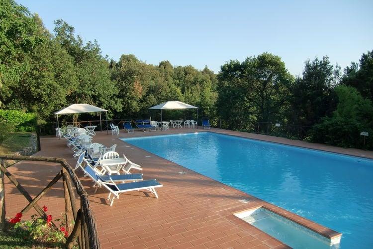 Italie | Toscana | Kasteel te huur in Monteriggioni-si met zwembad  met wifi 5 personen