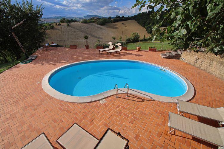 Italie | Marche | Villa te huur in Montebello met zwembad  met wifi 10 personen